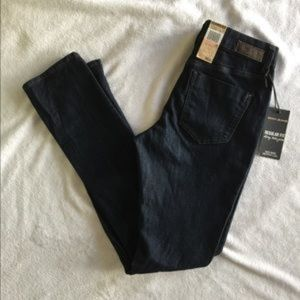 Women's DKNY Jeans Mid Rise Skinny Leg Size 2